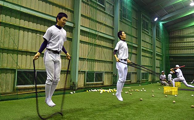 中村高校の投手陣の縄跳びトレーニング